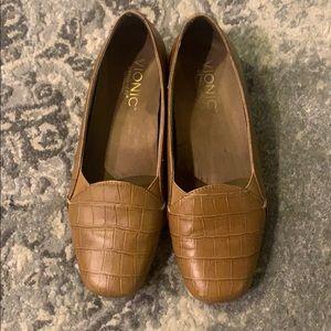Vionic orthaheel shoes